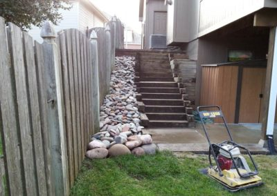 landscaping-riverrock-paved-stone-stairway