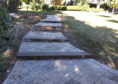 paved-stone-front-entry-landscaping-007