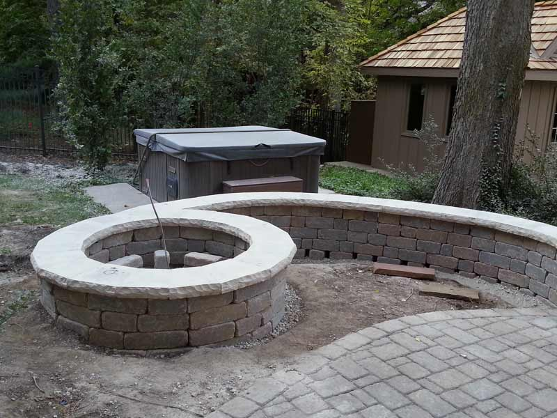 Stone Capped Firepit Paved Backyard Patio 003