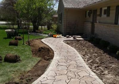 stone-paved-front-entry-walkway-001