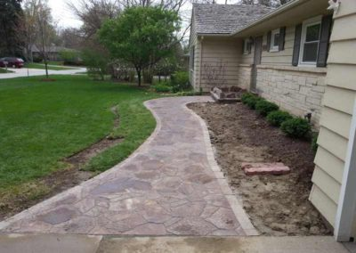 stone-paved-front-entry-walkway-003